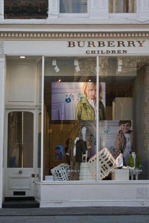Children's fashion boutique Burbery in Notting Hill