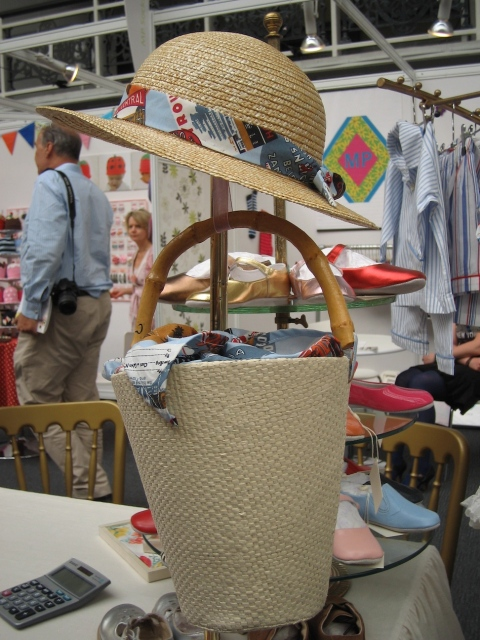 Children's bucket bag and hat vintage inspired at Bubble London for spring 2011