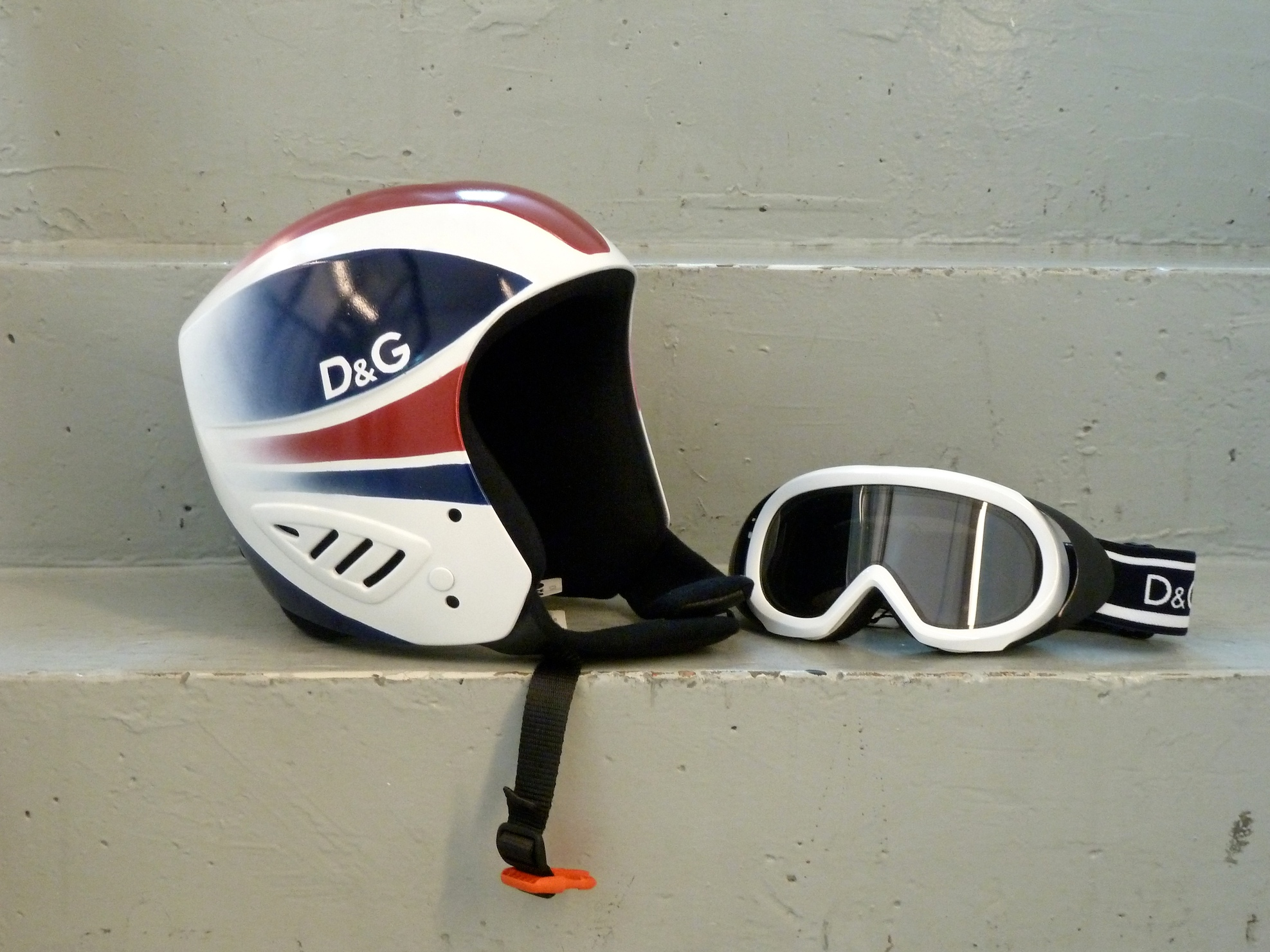 D&G Junior Ski helmet and goggles for kids winter 2011