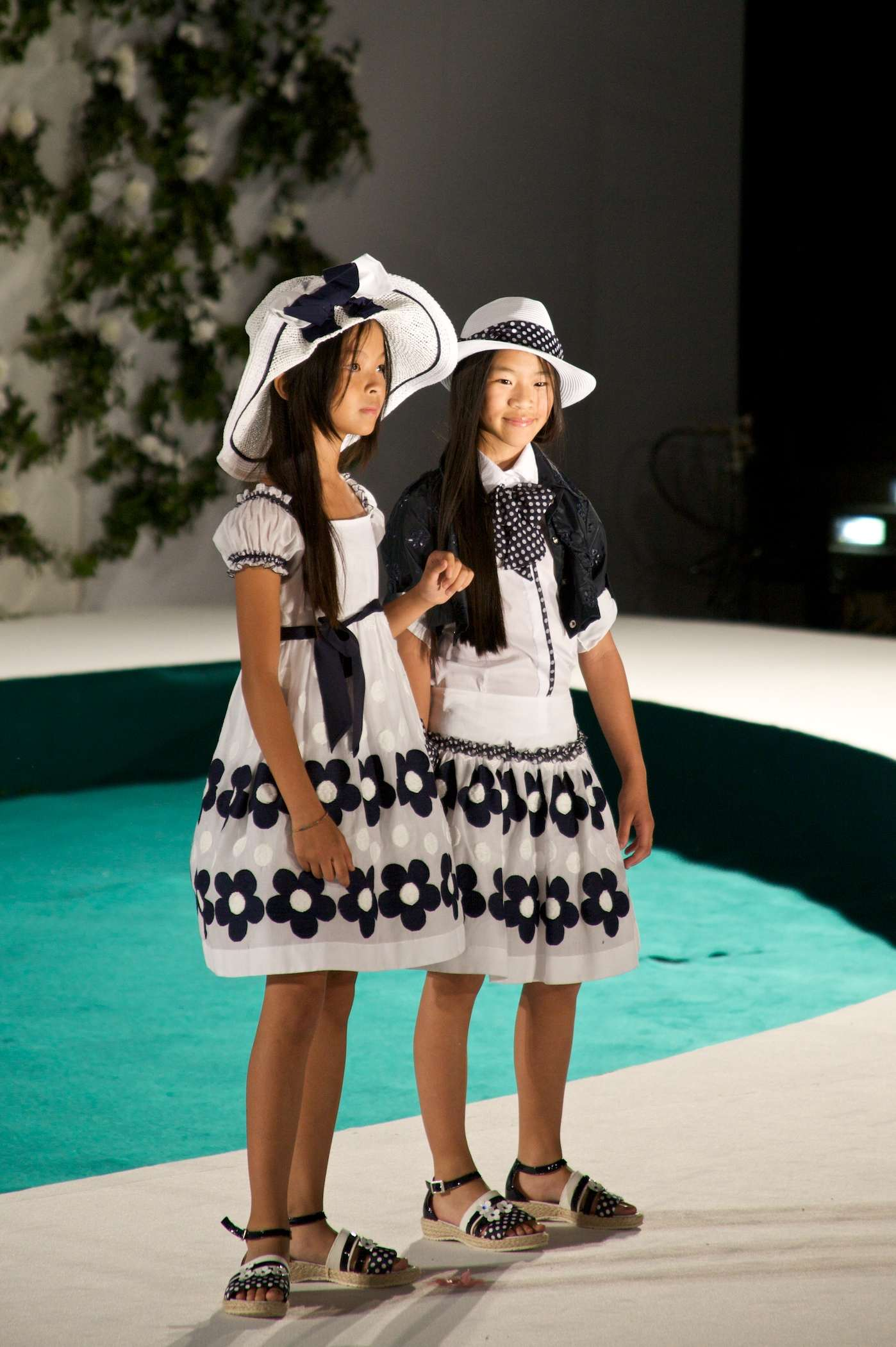 Big daisy patterns at Monnaiisa girlswear for summer 2012