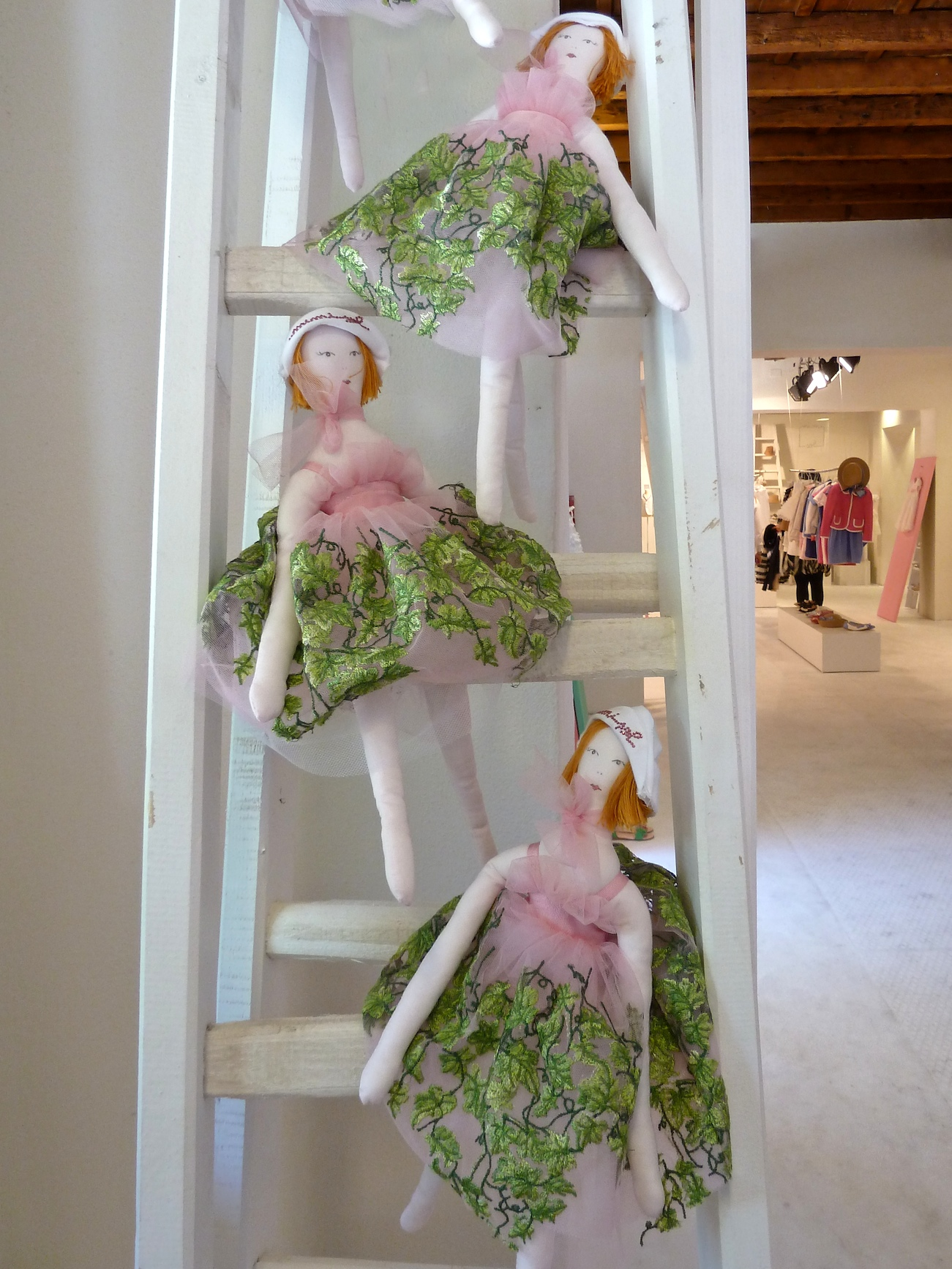 Sweet dolls at new label Mi mi sol at Pitti Bimbo 73 for summer 2012