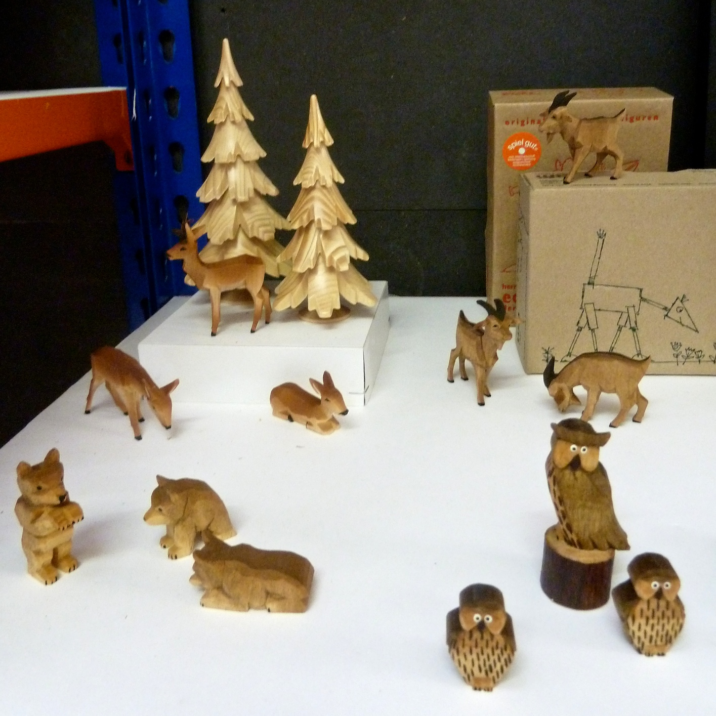 Sweet little woodland creatures by Erzgebirge from Germany at Theo online store