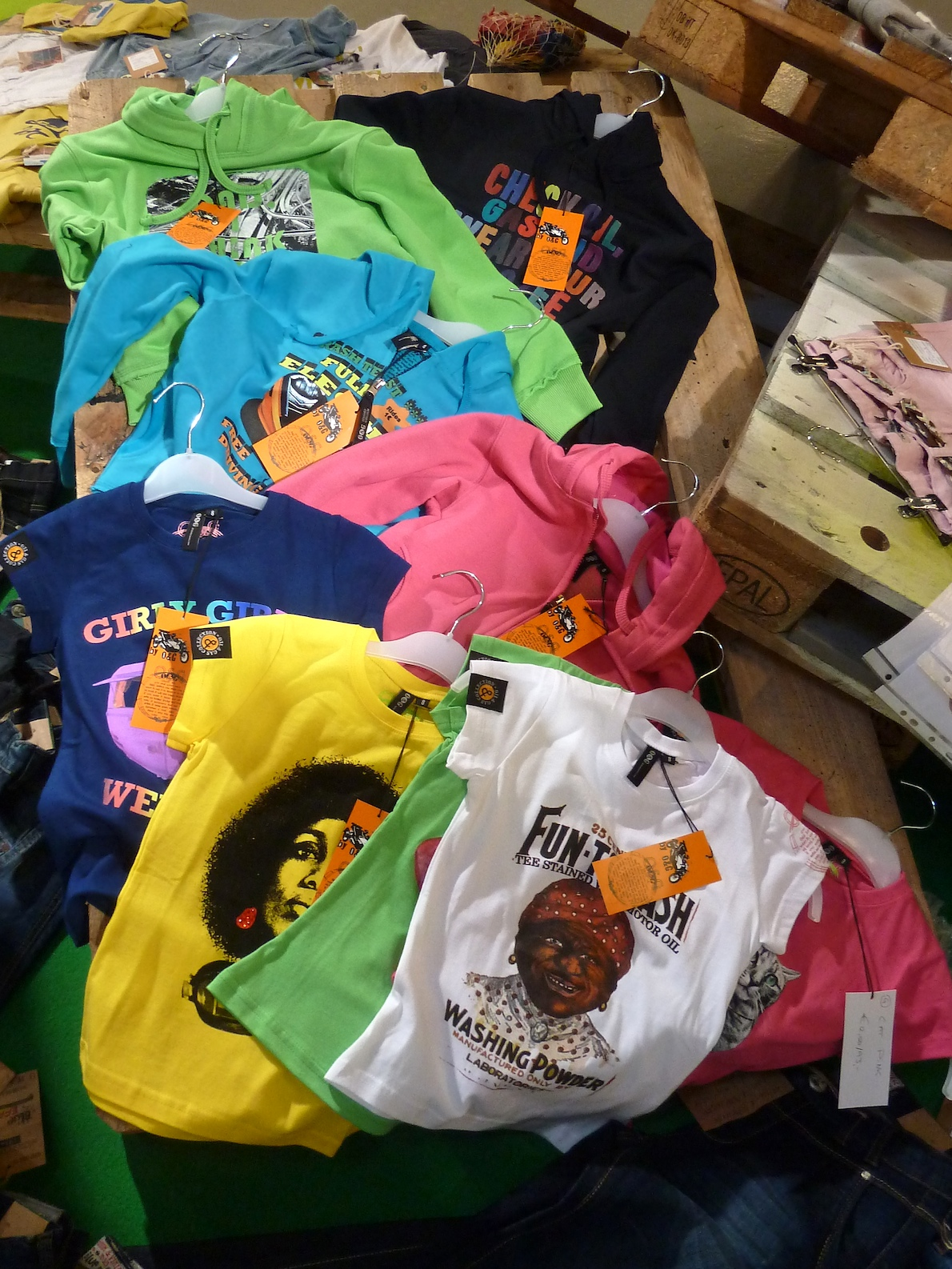 Retro graphics and vibrant colours from Oil and Gas at Ciff KIds trade fair for summer 2012