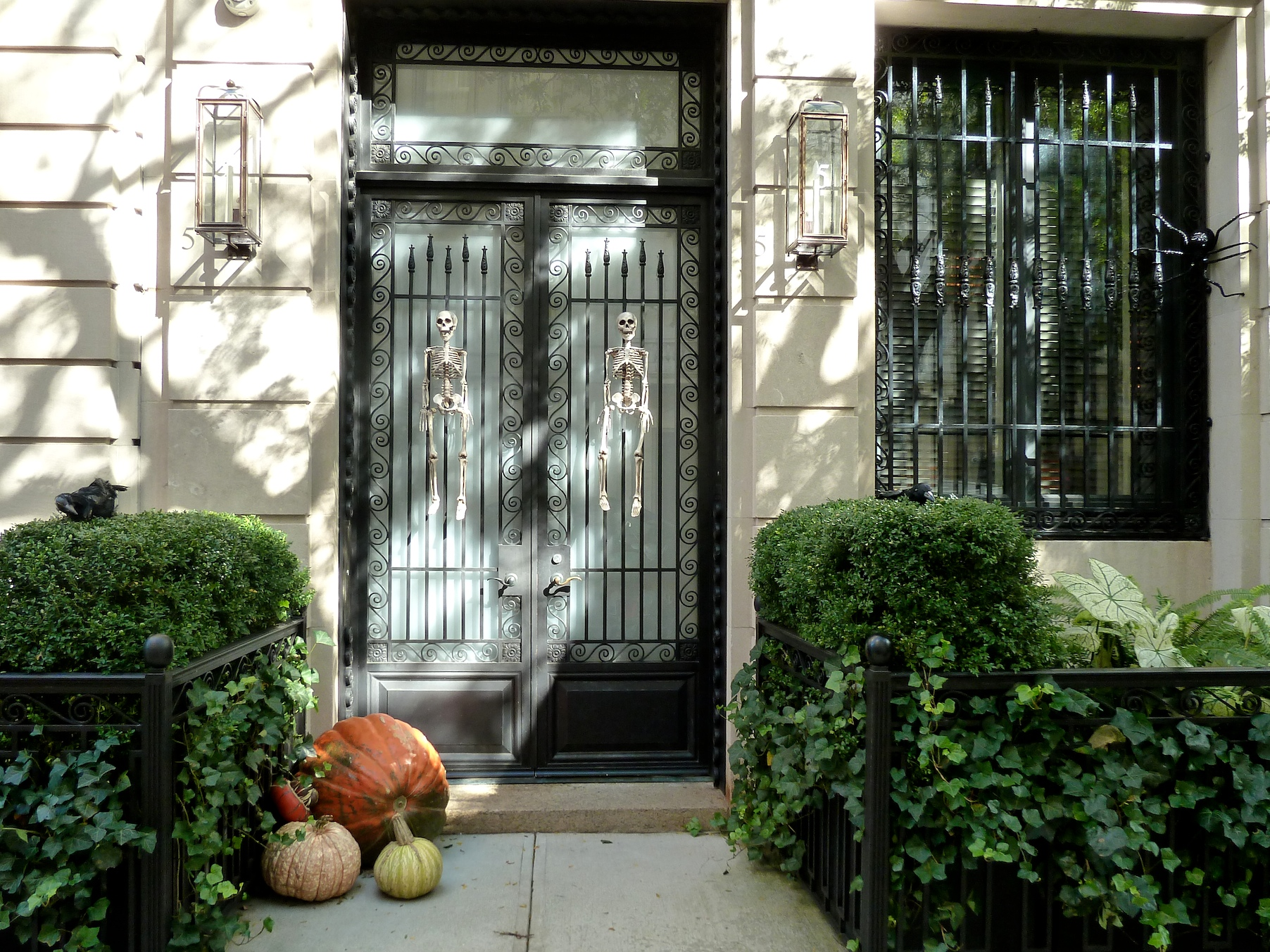 Back on the Upper East side, one of the classier Halloween Manhattan houses.