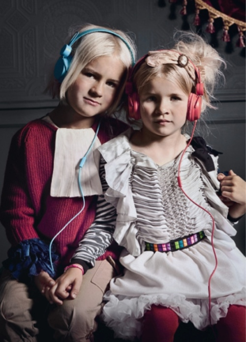 Winter 2011 kids fashion shot by Tamy Donnerstag for Luna Magazine