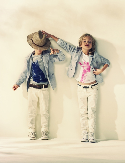 Giraffe and a bear animal portraits from American Outfitters for kidswear summer 2012